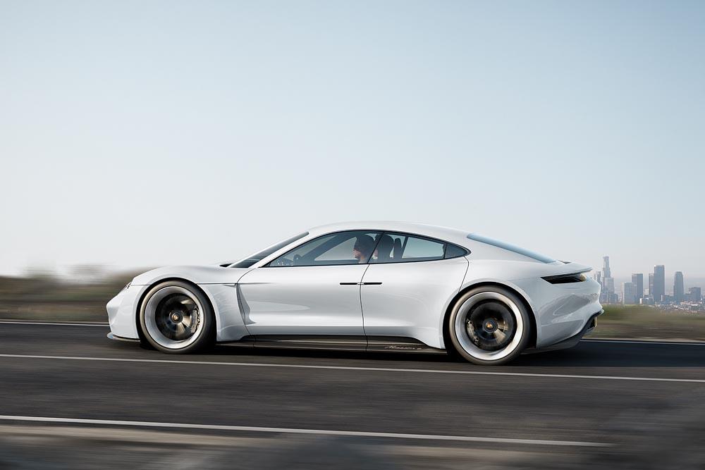 Porsche Mission E 2015 (Foto: Porsche)