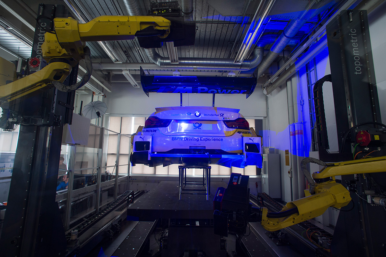 BMW M4 DTM auf dem 3D-Messstand (Foto: BMW)