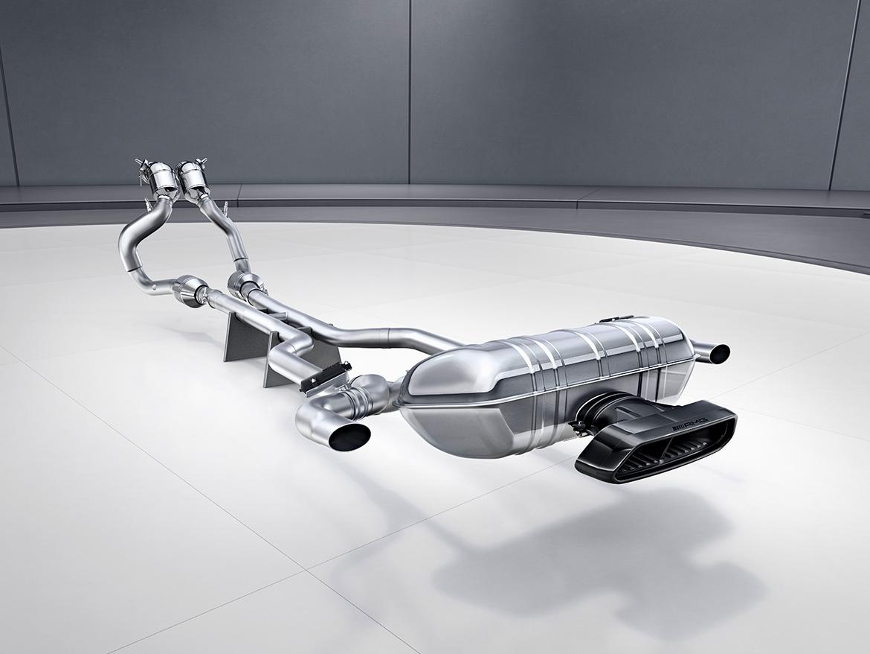 Abgasanlage des Mercedes AMG GT R (Foto: Mercedes)