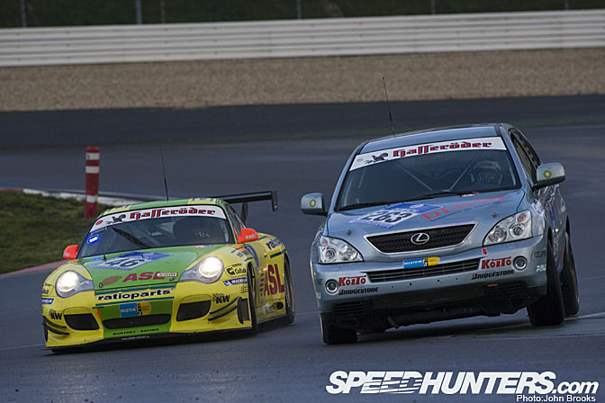 Lexus RX 400h - 24h-Rennen 2005 (Foto: John Brooks/speedhunters.com)