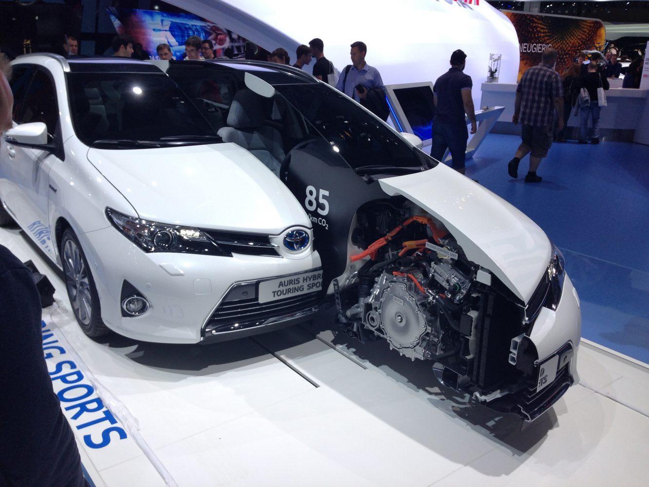 Toyota Auris Touring Sports Hybrid auf der IAA 2013