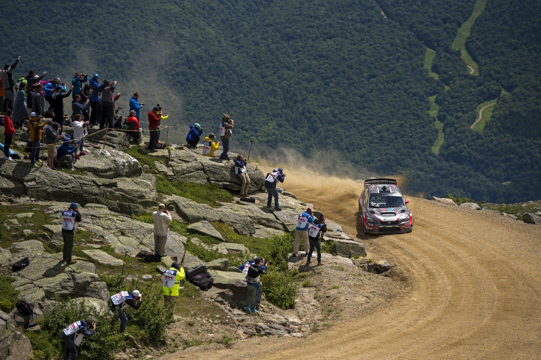 Travis Pastrana auf dem Weg zum neuen Rekord am Mount Washington (Foto: Ben Haulenbeek / Subaru Rally Team USA)