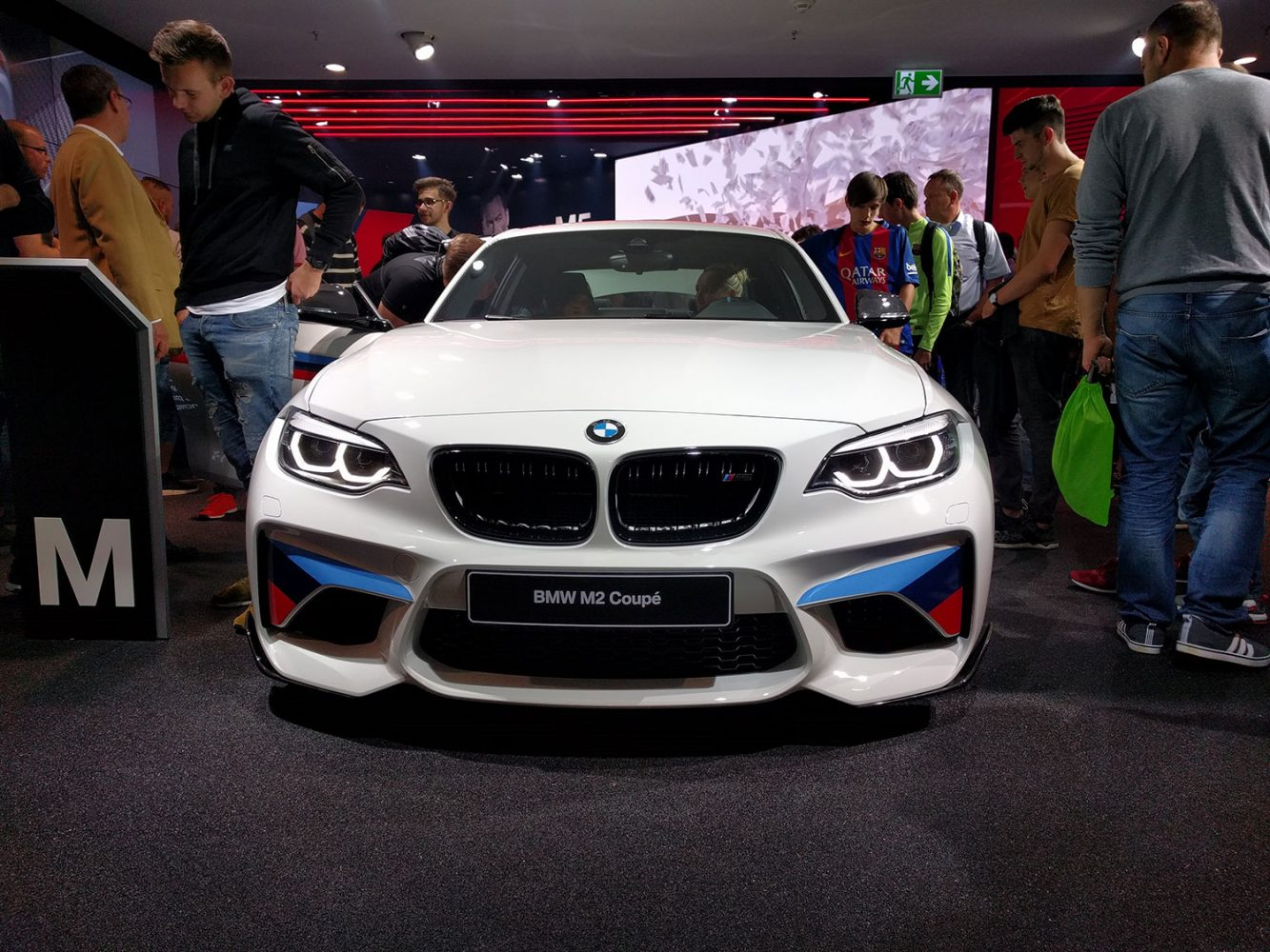 BMW M2 auf der IAA 2017 (Foto: Hendrik Laudemann)