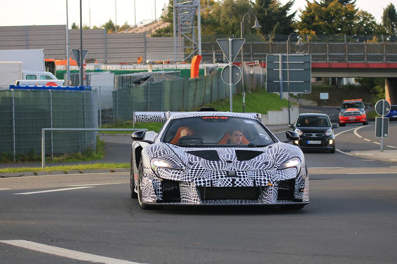 McLaren Erlkönig an der Nürburgring Nordschleife (Foto: PSringfotos)