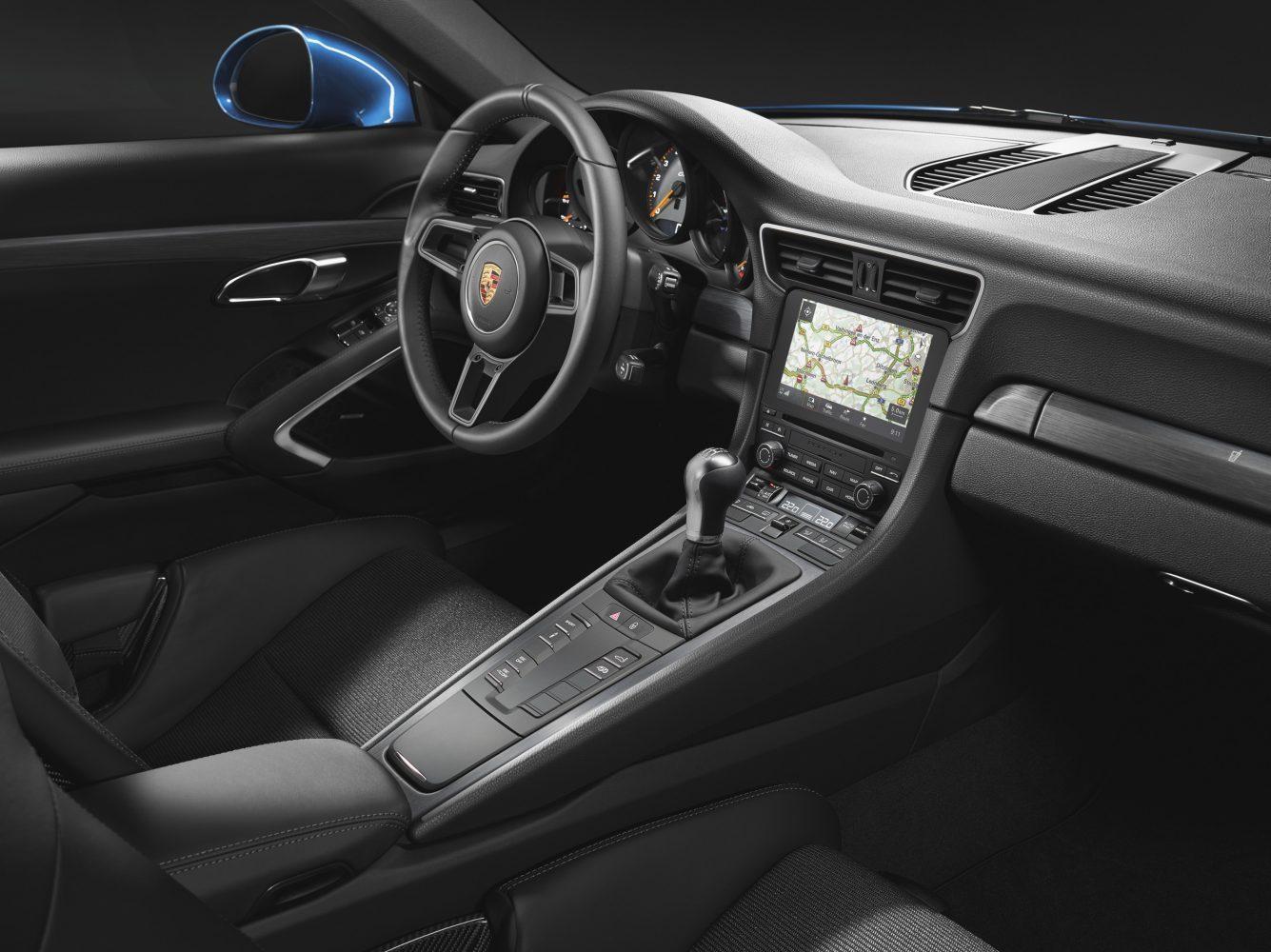 Klassischer Innenraum - Porsche 911 GT3 Touring Package (991.2) (Foto: Porsche)