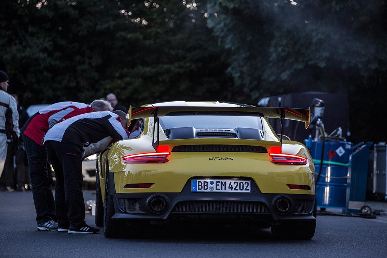 Schnellster Seriensportwagen auf der Nordschleife: Porsche 991 GT2 RS (Foto: Porsche)