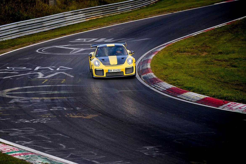 Porsche 991 GT2 RS bei der Rekordfahrt auf der Nordschleife (Foto: Porsche)