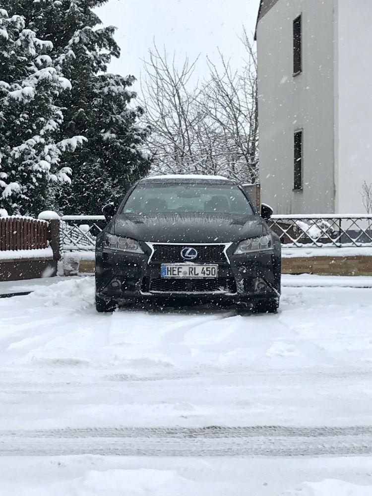 Lexus GS450h F-Sport im Winter-Wonderland