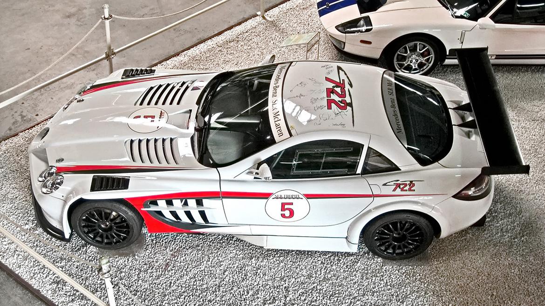 """Mercedes SLR 722 GT (Foto: <a href=""""https://www.flickr.com/photos/rwd-cars/7988406109/in/photolist-5K7nEm-54vYTp-55kTor-8MwmmX-4Dv1bB-5z8EJW-8Mzrao-4Dh8uw-62gii9-f52X1d-4DJ46o-8Mvirz-4DcRqD-8Mwmw2-daUEPP-bnUcT2-bnUeRV-7QybZA-bnUbrX-4Dh9cN-bnUc7e-bnUdwa-4Dh9BG-4ZyAce-4Zzhx2-4ZzkKv-4ZDsPU-4Zzo8i-4Zzerr-4ZDus5-4ZDE1w-4Zzp5K-4ZzpWP-4Zzni6-4ZDzaS-4ZDDhm-4ZzjaK-4ZzfWx"""" target=""""_blank"""">Rick W. Dryve</a>, <a href=""""https://creativecommons.org/licenses/by/2.0/"""" target=""""_blank"""">CC BY 2.0</a>)"""