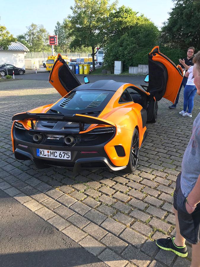McLaren 675LT von apex Nürburg