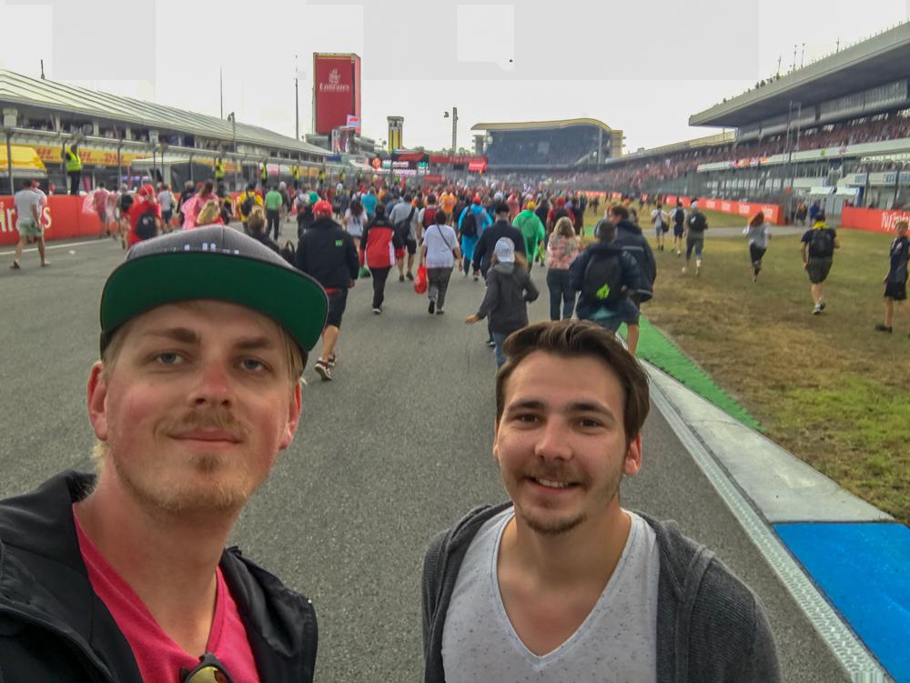 Pflicht-Selfie nach dem Zieleinlauf - Formula 1 Grand Prix Deutschland 2018