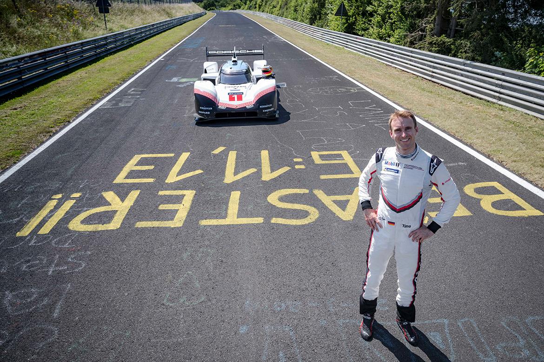 """""""Be faster - 6:11,13"""" - Das hat Timo Bernhard eindeutig geschafft (Foto: Porsche)"""