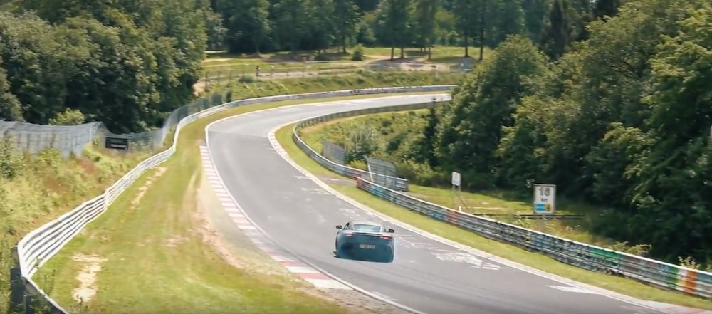 Aston Martin DBS Superleggera auf der Nordschleife (Youtube/Auto Motive Mike)