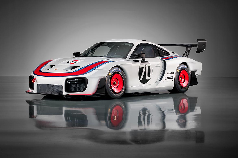 Im klassischen Martini-Racing Look: Porsche 935 auf Basis des 991.2 GT2 RS (Foto: Porsche)