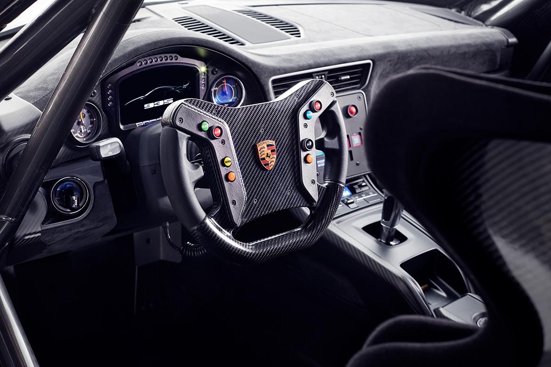 Innenraum des Porsche 935 auf Basis des 991.2 GT2 RS (Foto: Porsche)